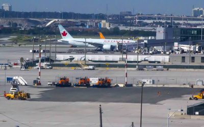 Warning issued after scammers offer fake jobs at Toronto Pearson airport